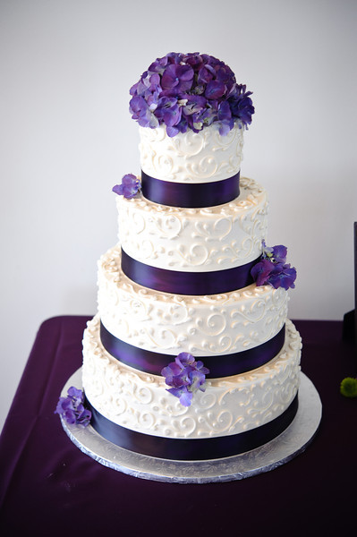 13-Purple & White Wedding Cake