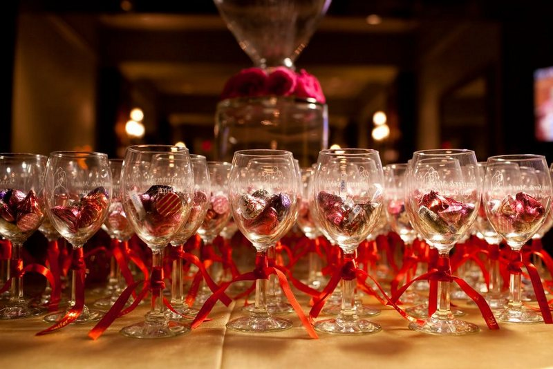 Etched Wine Glasses Wedding Gifts : Etched-Wine-Glass-Wedding-Favors Weddings Events, Wedding Ideas, Black ...