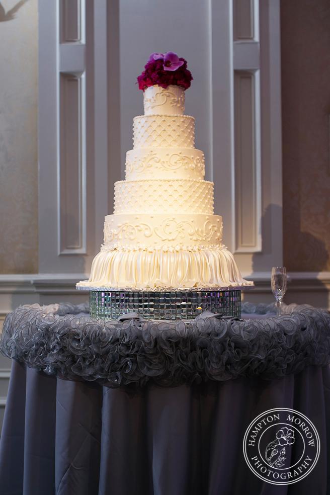 36 Magenta Gray Wedding Cake Table Linens