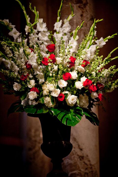 13-Altar Arrangement, Red & White Alter Arrangement - Significant Events of Texas – Event ...