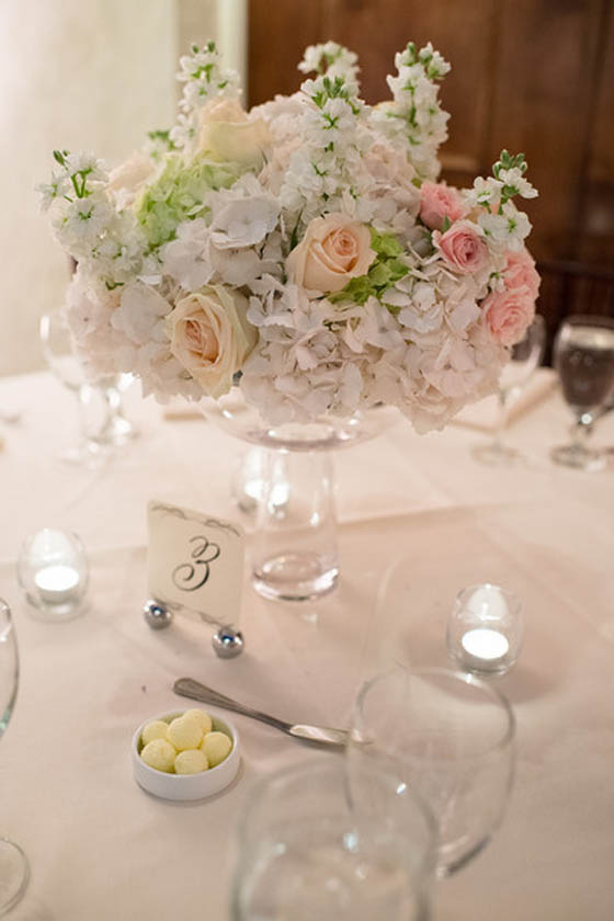 23-Blush, White, & Green Centerpiece