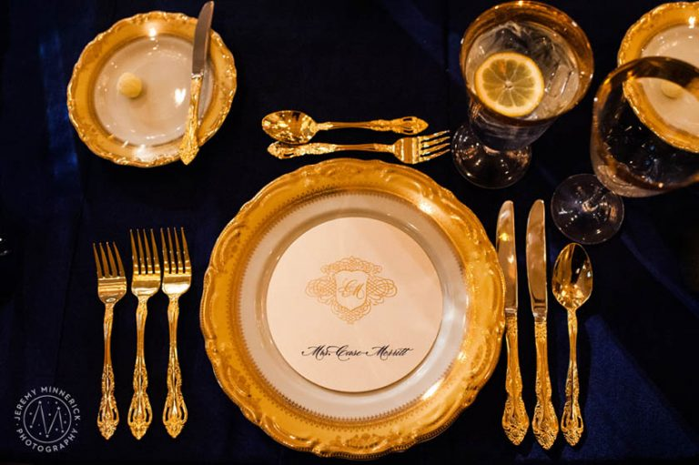 44-Gold & Ivory Circular Menu